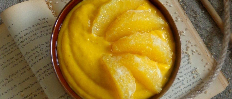 Dyniowy budyń orkiszowy z pomarańczą
